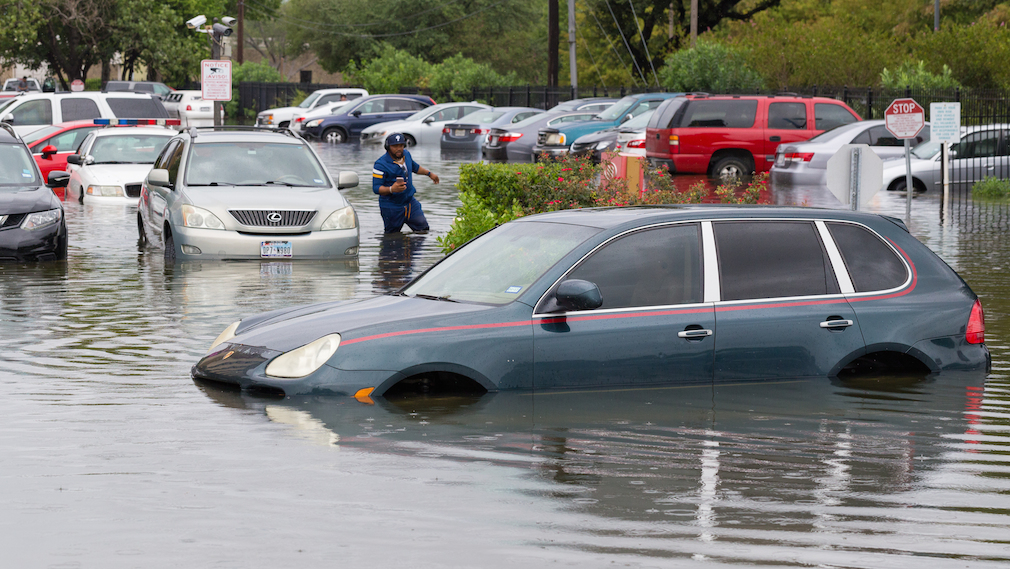FRAUD STOPPERS Fannie Mae, Freddie Mac suspend foreclosures and evictions in wake of Hurricane Harvey